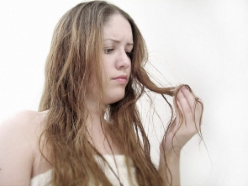 сухие волосы, причины